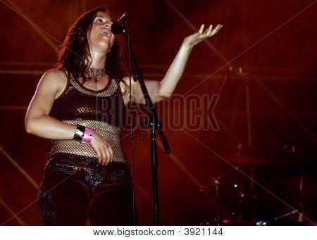 Alanis Morissette In Concert