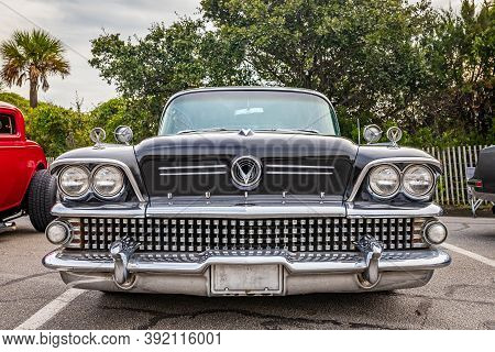 Tybee Island, Ga - October 3, 2020: 1958 Buick Super Riviera Hardtop Coupe At A Local Car Show.