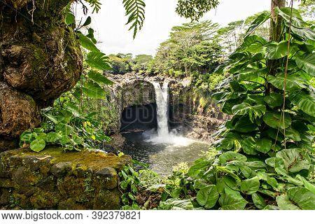 The Rainbow Falls, Hilo, Wailuku River State Park, Big Island, Hawaii
