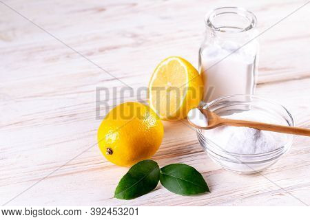 Eco-friendly Natural Cleaners. Natural Products For Eco Friendly Home Cleaner, Lemon, Vinegar, Bakin
