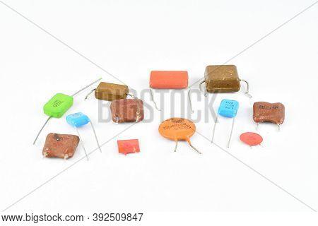 Radio Components, Batteries, Capacitors, Tantalum, Passive Electronic Component Different Specific C