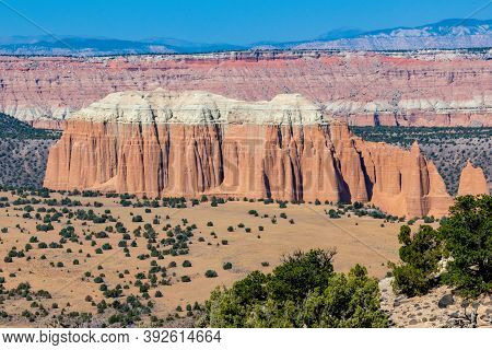 Discover The Waterpocket Fold, A Geologic Wrinkle On Earth. Located In South- Central Utah In The He