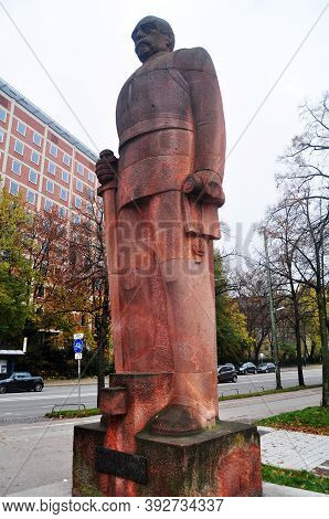 Bismarck Denkmal Statue Or Denkmal Fur Furst Otto Von Bismarck Monument For German People And Foreig