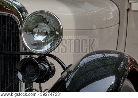 Old Retro Car Lamp. Classic Vintage Vehicle Front. Luxury Antique Auto With Chrome. Automobile Headl