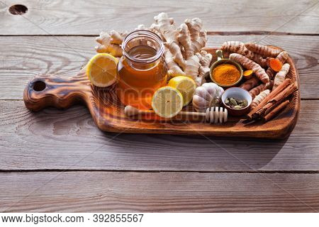 natural cold and flu home remedies lemon honey ginger and garlic to boost immune system