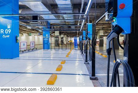 Bangkok, Thailand-october 22, 2020 : Electric Vehicle Charger Station Or Ev Charging Station For Cha