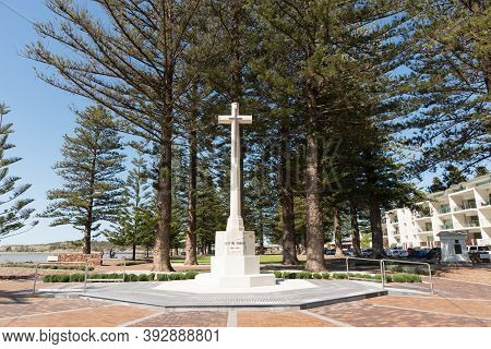 Victor Harbor, Australia - October 6, 2016: Anzac Memorial In The Soldiers Memorial Gardens In Victo