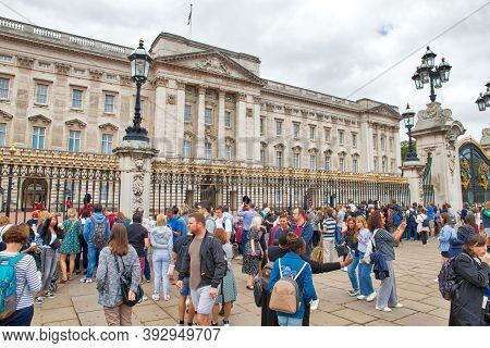 London, Uk - July 15, 2019: People Visit Buckingham Palace In London, Uk. London Is The Most Populou