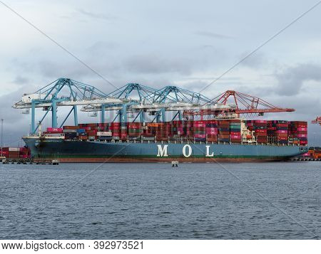 Norfolk, Usa - June 9, 2019: Mitsui Osk Lines Ship Mol Magnificence Docked At One Of Norfolks Port T