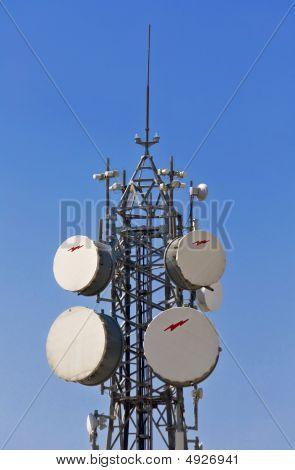 Communication tower with parabolic antennas