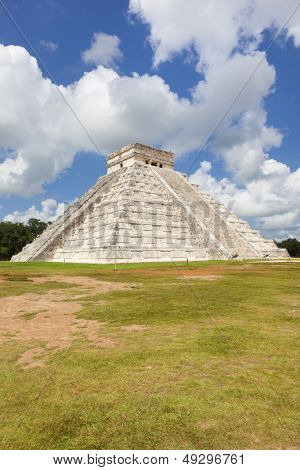 Kukulkan temple. Chichen Itza. Mexico