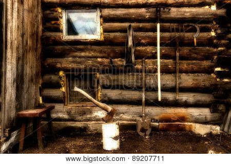 Log Wall Garden Tools