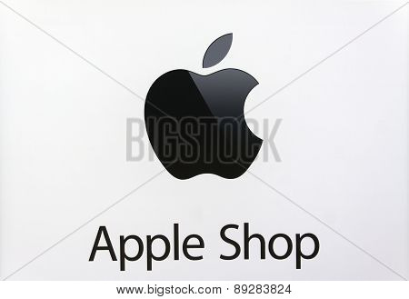 Apple Shop In Amsterdam, Store For Electonic Devices