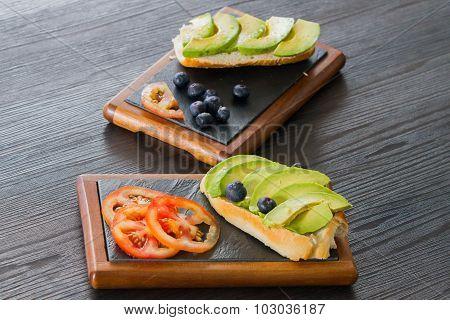 Avocado sandwhich