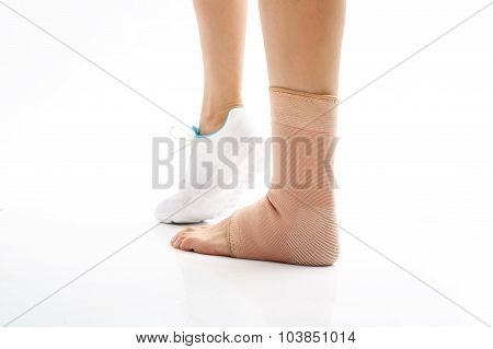 Foot injury, compression bandage
