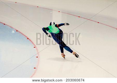 race sprint speed skating female speed skater