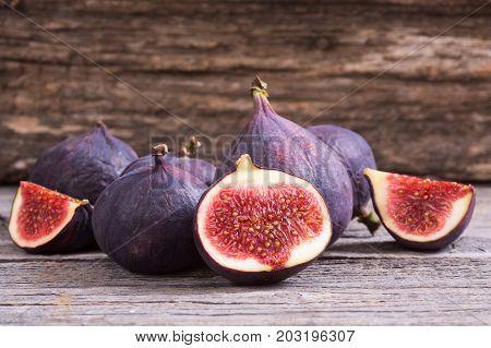 Ripe sweet figs . Healthy mediterranean fig fruit .