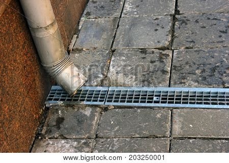 metal tinplate downpipe and drain tray with grating