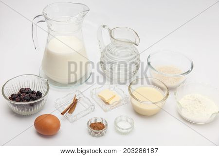 Rice Pudding With Cinamon And Raisins Preparation: Ingredients For Sweet Rice Pudding