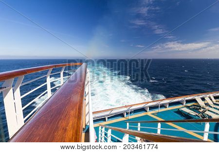 View of the sea from the stern of a luxury cruise liner