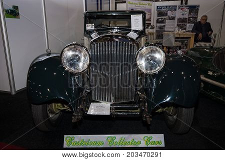 MAASTRICHT NETHERLANDS - JANUARY 09 2015: Full-size luxury car Bentley 3.5 Litre (Sports saloon by Park Ward) 1935. International Exhibition InterClassics & Topmobiel 2015