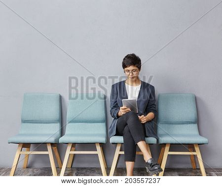 Confident Successful Young Businesswoman With Short Hairstyle Wearing Stylish Clothes And Glasses Us