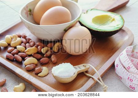 Keto ketogenic diet low carb high fat healthy weight loss meal plan
