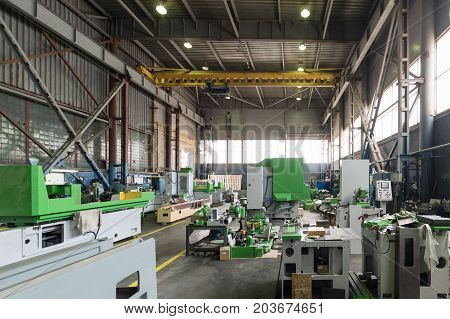 New metalworking machines. Assembly shop of a modern factory.