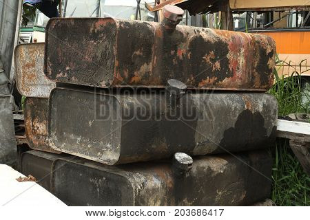 Pile of fuel tank wait for recycle