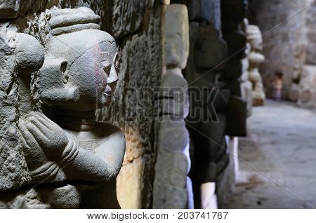 Myanmar (Burma), Mrauk U (small Bagan) the ancient Rakhaing capital. Dukkanthein Paya