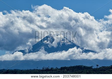 the Sumaco is an isolated distinct volcano off the main axis of volcanoes
