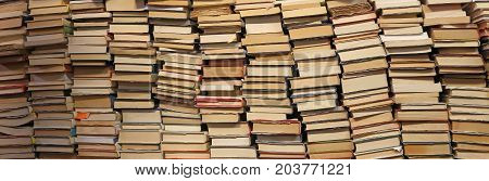 The background of many book of many sizes for the preparation of university examinations