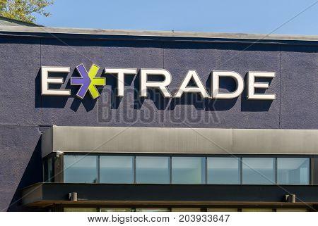 E-trade Exterior And Logo