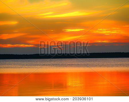 Sonnenuntergang Grosser Jasmunder Bodden Rügen Küste Himmel Sonne