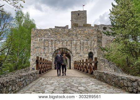 Strecno, Slovakia - May 1: Visitors In Front Of  Castle Strecno On May 1, 2019 In Strecno