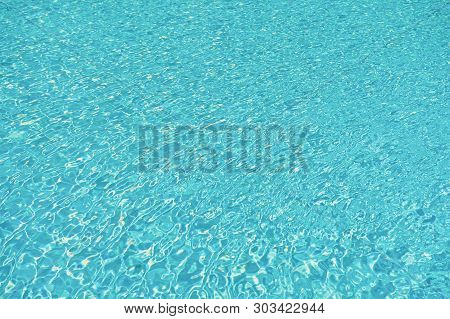 Underwater Ocean. Maldives Paradise Resort. Sea Water Background. Summer Vacation. Luxury Spa Hotel