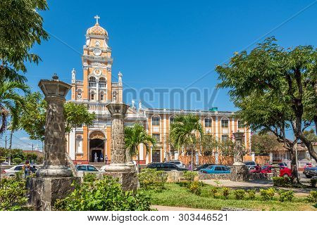 Granada,nicaragua - March 16,2019 - View At The Church Of Xalteva From Park In Granada. Granada Is H