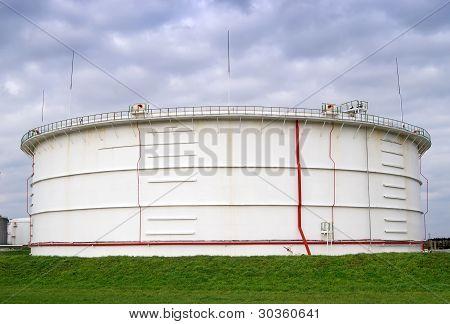 Storage Oil Reservoir