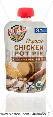 Winneconne, Wi -9 January 2021: A Package Of Package Of Earths Best Organic Pouch On An Isolated Bac