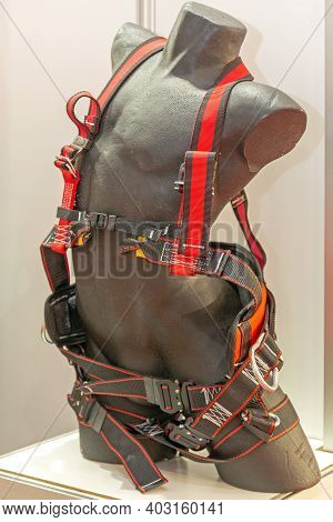New Safety Harness Restrains At Mannequin Torso
