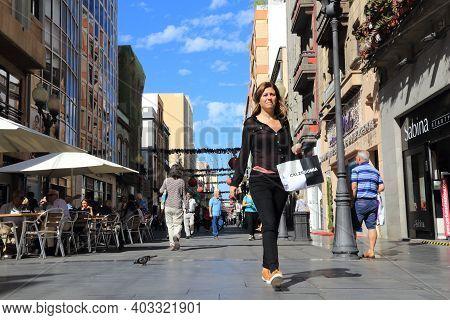 Las Palmas, Spain - November 30, 2015: People Visit Triana Shopping Street In Las Palmas, Gran Canar