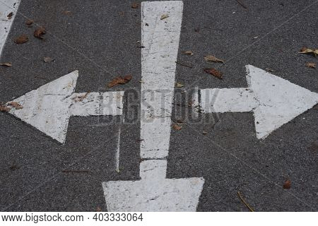 Direction Arrow Points In One Way