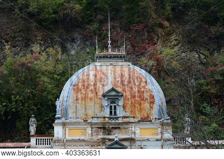 Old Thermal Bath Building Roof Baile Herculane Town Romania