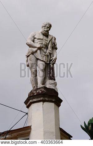Baile Herculane City Romania Old Grunge Statue Monument