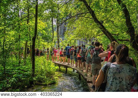 Plitvicka Jezera, Croatia, July 2019 Massive Crowds And Queues To Taking Pictures At Waterfalls In P