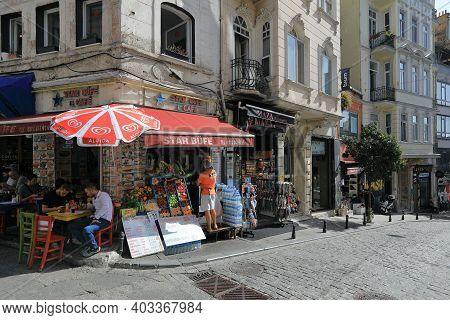 Istanbul, Turkey - October 07, 2020. Outdoor Cafe On The Corner Of The Galip Dede Street. Beyoglu Di