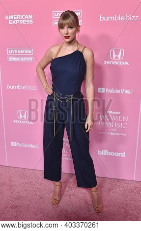 LOS ANGELES - DEC 12:  Taylor Swift arrives for the Billboard's 2019 Women in Music on December 12, 2019 in Hollywood, CA