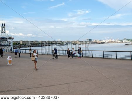 Bordeaux, France - September 9, 2018: People On A Sunday Day On Quai Louis Xviii In  Bordeaux, Franc