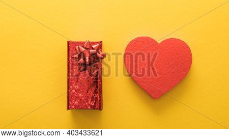 Valentine's Day Banners, Paper Art Style. Heart And Gift  On Yellow Paper, Love Concept. Valentines