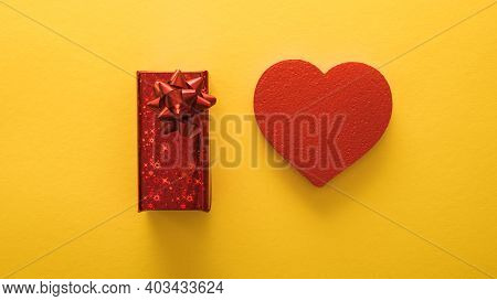 Valentine's Day Banners, Paper Art Style. Heart And Gift  On Yellow Paper. Love Concept. Valentines